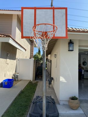 Basketball ball hoop for Sale in Costa Mesa, CA
