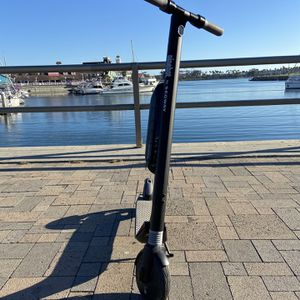 Segway ES3 Foldable Electric Scooter w/ External Battery for Sale in Lakewood, CA