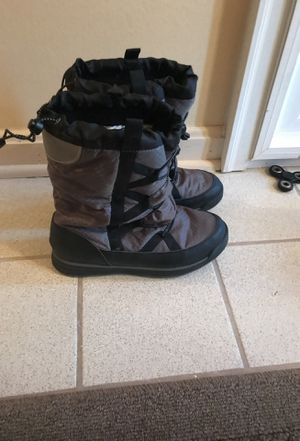 Snow boots size 6 for Sale in Alexandria, VA