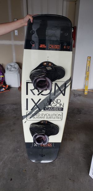 Ronix wake board 58 inch tall size 10 boot for Sale in Puyallup, WA