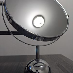 Close Up Makeup Vanity Mirror for Sale in Federal Way, WA