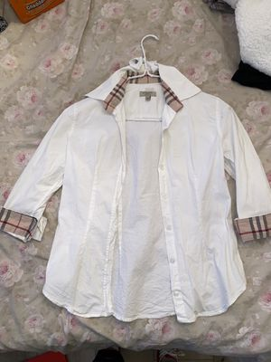 Burberry button up shirt for Sale in Los Angeles, CA