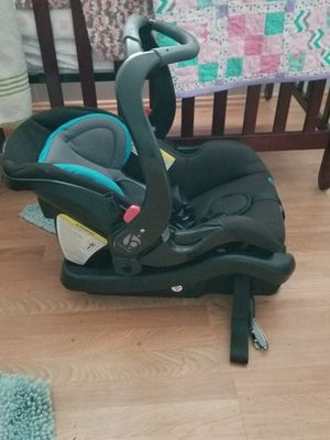 Baby Trend Car Seat for Sale in Oak Ridge, LA