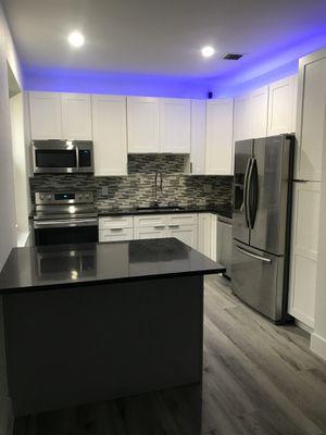 Kitchen cabinets for Sale in Miami, FL