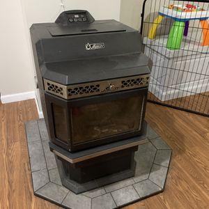 Ashley 5660 Pellet Stove for Sale in Burlington, CT
