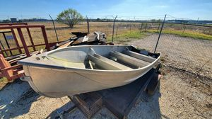 Boat for sale with clean title 15ft trailer not included for Sale in San Antonio, TX