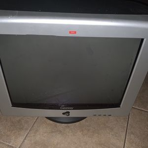 FREE Old Gateway Monitor for Sale in Phoenix, AZ