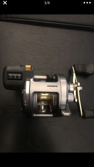 Shimano Tekota 300LC fishing Reel like new for Sale in Los Angeles, CA
