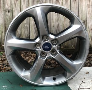 1 Ford Fusion 18 Wheel for Sale in Orlando, FL