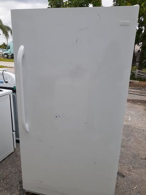 Standing Upright Freezer for Sale in West Palm Beach, FL