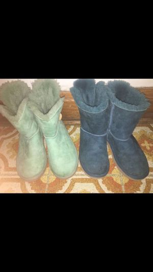 UGG girl boots for Sale in Elmwood Park, IL