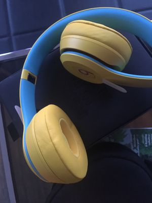 Beats Solo3 headphones (never used) for Sale in Washington, DC