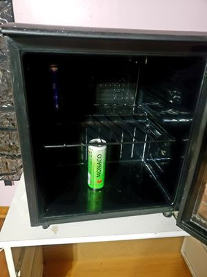 Mini fridge/wine cooler fridge for Sale in Chicago, IL