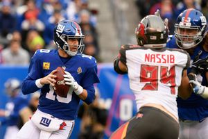 Bucs vs Giants in Tampa, FL- Great seats (Sunday Sept. 22nd at 4pm) for Sale in Tampa, FL