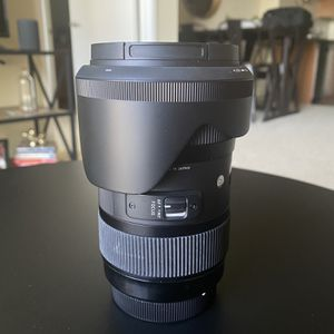Sigma Art Lens DC HSM, 18-35mm f/1.8 for Sale in Los Angeles, CA
