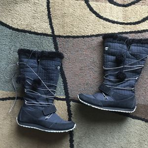 Ladies Timberland Winter Boots - Size 9 These are several years old, but are in good condition with light wear and marks. They have some fur in them for Sale in Raleigh, NC