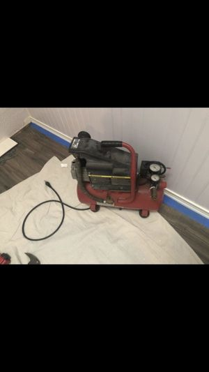 Air compressor needs Repair for Sale in Valrico, FL