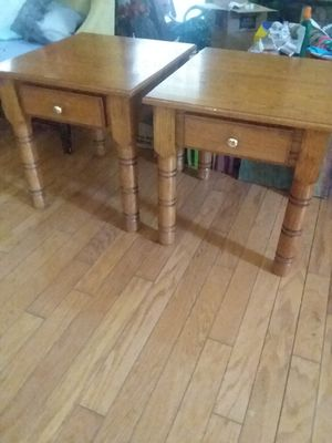 2 end tables for Sale in Clermont, FL