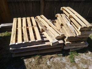 Curb alert free pallets for Sale in New Port Richey, FL