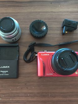 Panasonic GF2 W/ 2 Lens, Viewfinder And Battery Charger for Sale in Phoenix,  AZ