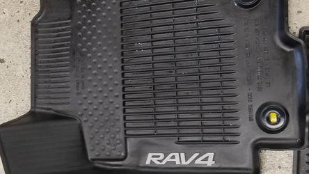 Toyota Rav4 Floor Mats 2016 for Sale in Bellevue,  WA