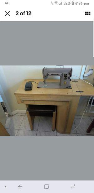 Antique Singer Sewing Machine #301. $225. Pickup in Oakdale for Sale in Oakdale, CA