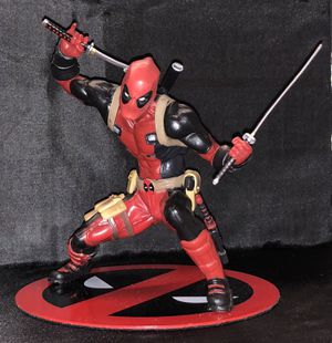 Deadpool statue magnetic base. X-men collectible for Sale in Queens, NY