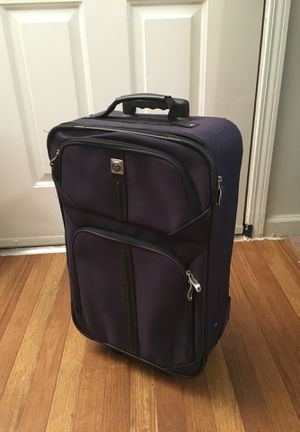 Carry on $10 excellent condition for Sale in Tucker, GA