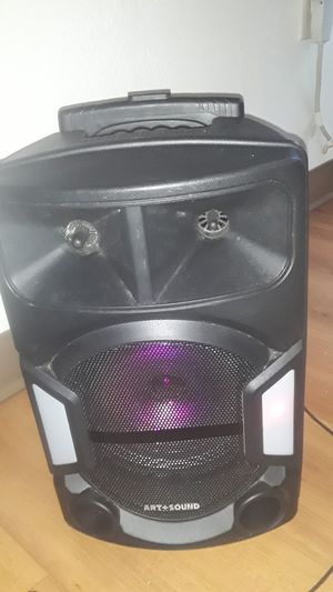 Bluetooth wireless speaker for Sale in Westbrook, ME