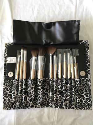 Makeup Brush Kit for Sale in Miami, FL