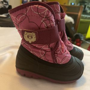 Toddler Size 6 Snow Boots for Sale in Los Angeles, CA