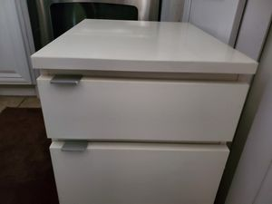 Filing cabinet with rolling casters for Sale in Tampa, FL