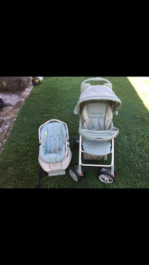 Graco light green car seat and stroller combo for Sale in Beckley, WV