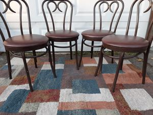 DINING ROOM CHAIRS IN GOOD CONDITION for Sale in Tacoma, WA