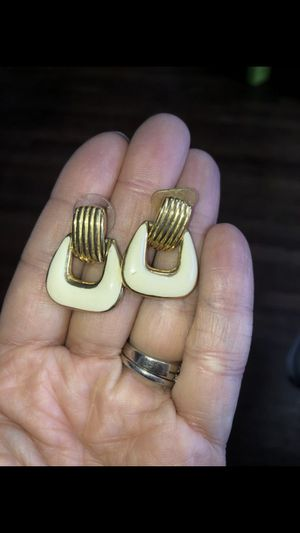 Goldtone and white earrings for Sale in San Lorenzo, CA