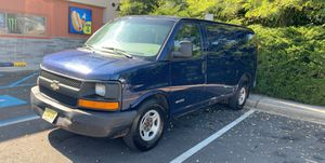 03 Chevy express 5.3 engine in good condition for Sale in Newark, NJ