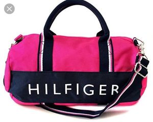 Tommy Hilfiger duffle bag for Sale in Mount Rainier, MD