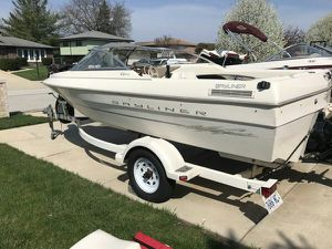 Bayliner Boat fish and ski for Sale in Chicago, IL