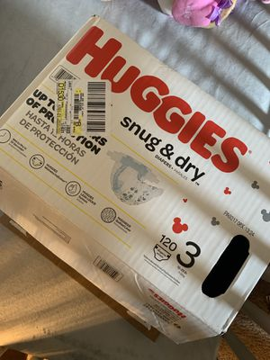 70 Huggies Snug & Dry Pampers (Open Box) for Sale in St. Louis, MO
