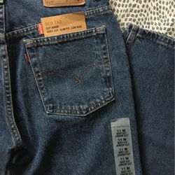 BRAND NEW LEVI JEANS for Sale in Cartersville,  GA