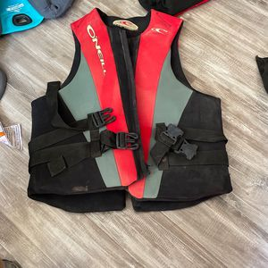 Life Vest 7 Total for Sale in Long Beach, CA