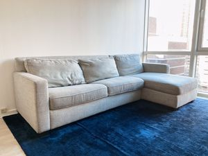 Henry® 2-Piece Full Sleeper Sectional w/ Storage WEST ELM for Sale in New York, NY