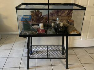 Bearded Dragons Tank With Everything Included. BEST OFFER for Sale in Hollywood, FL