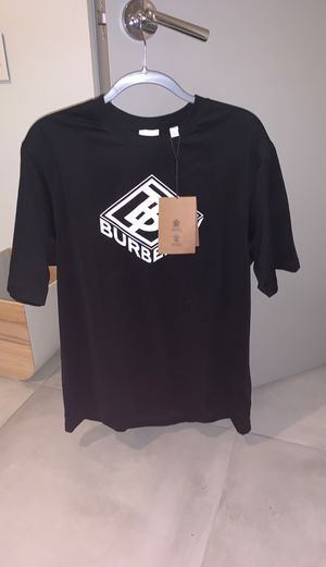 Burberry 2020 T-Shirt 100% real tags / Proof of purchase (NEW/NEVER WORN) for Sale in Los Angeles, CA
