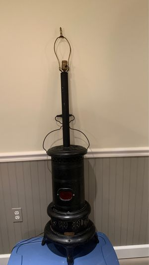 Vintage floor lamp. for Sale in West Chicago, IL
