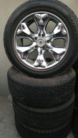 Wheels and tires chrome 255/55/18 for Sale in Whittier, CA