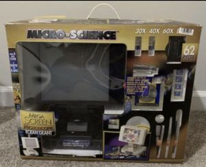 New Sealed Box Micro-Science Mega Screen Microscope Ecran Geant 62 Pieces 30x 40x 60x Kids Junior Toddler Family Time Game for Sale in Chapel Hill, NC