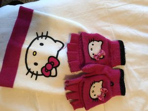 Hello kitty hat and gloves set for Sale in Aurora, CO