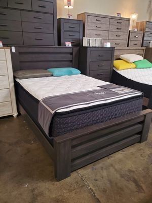 Queen Bed Frame**MATTRESS NOT INCLUDED**, Black for Sale in Santa Fe Springs, CA