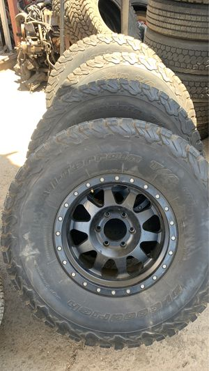 Chevy wheels 17 inches method and 37-12.50.17 bfg ko2 for Sale in Chula Vista, CA